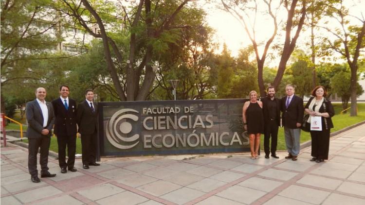 Egresó el primer Doctor de la nueva carrera de Doctorado en Ciencias Económicas de la FCE