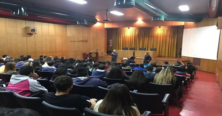 """Recibimos más de 250 alumnos en """"Facultad Abierta"""""""
