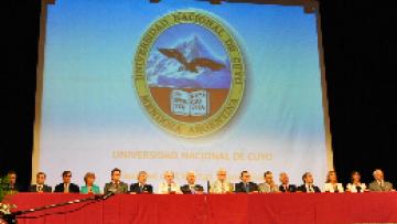 La Facultad realizó el Acto de Colación de Grado de la Promoción 2009 - 2010