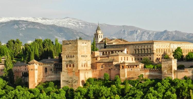 Becas para doctorandos – Universidad de Granada