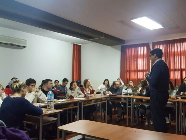 Estudiantes de Belmont University y de la Facultad de Ciencias Económicas de la UNCuyo se encuentran realizando un programa cooperativo