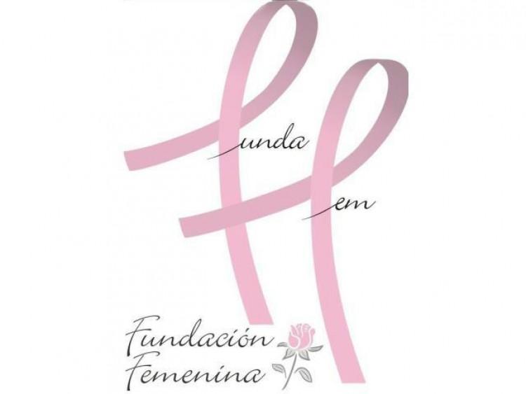 Brindan charla sobre diagnóstico precoz del cáncer de mama