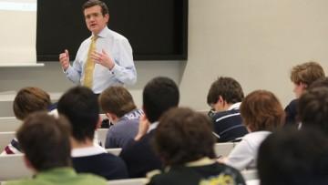 Convocatoria Postulación a Becas de Posgrado para docentes