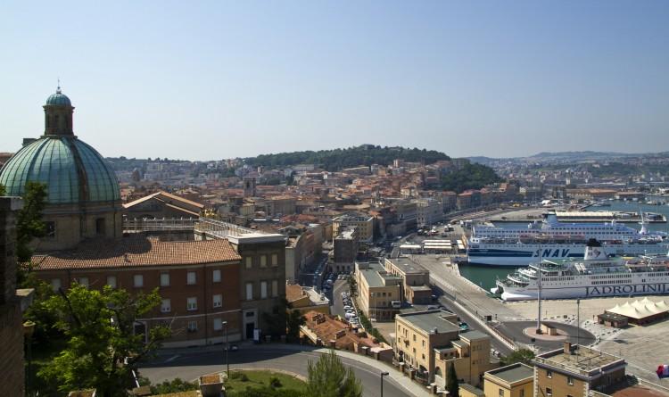 Università Politecnica Delle Marche: Convocatoría de becas a maestría