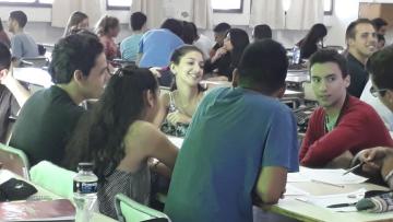 LA FACULTAD DE CIENCIAS ECONÓMICAS RECIBE A SUS INGRESANTES