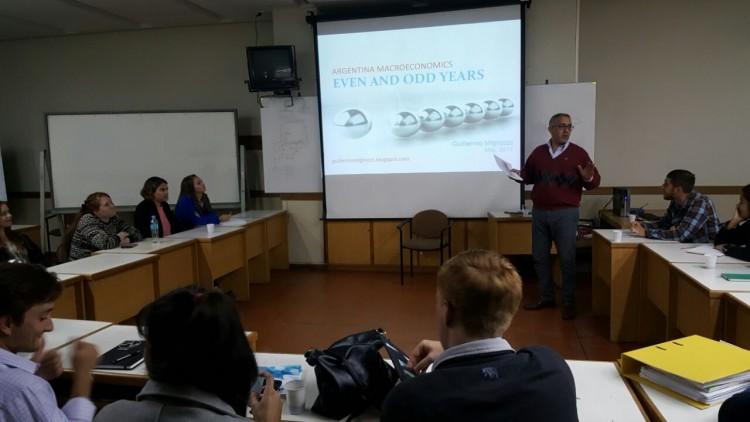 Se realizó una conferencia en inglés sobre Macroeconomía Argentina