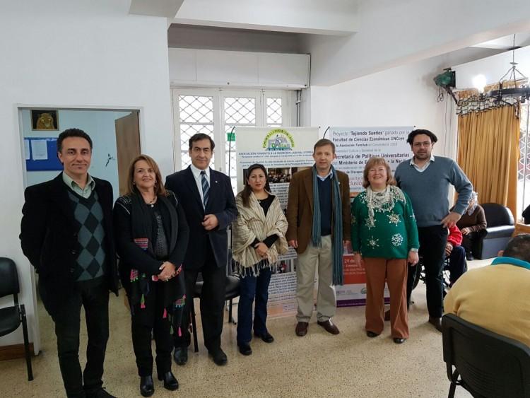Acto de Lanzamiento oficial de Talleres del Proyecto Tejiendo Sueños ganado por la FCE en trabajo conjunto con Fomilab y la Dirección Provincial de Discapacidad