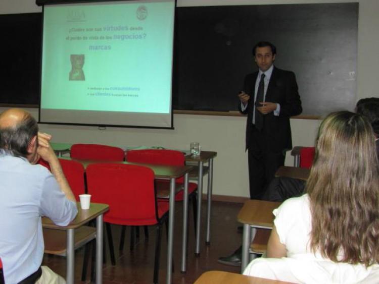 MBA: tesis sobre desarrollo de marcas