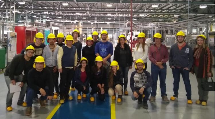 Alumnos de la Licenciatura en Logística visitaron  la planta de producción de Verallia