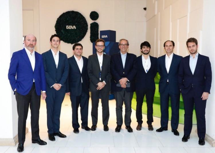 BBVA Business Case 2018 - Madrid . Egresado de la Lic. en Economía de nuestra Facultad resultó en el grupo ganador