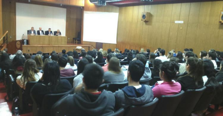 Exposición Conflictos y Consensos de la Política Tributaria en América Latina.