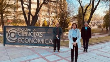 Pedro Tarak, Cofundador de Sistema B, visitó a la Facultad de Ciencias Económicas para continuar con el trabajo articulado en materia de triple impacto