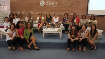 La Cont. Esther Sánchez recibió la distinción por ser la primer Decana de la Facultad de Ciencias Económicas